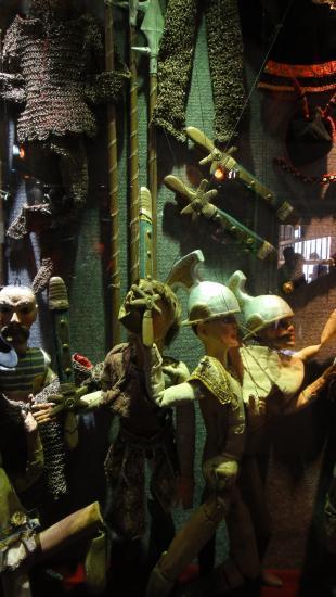 Pour une collection de marionnettes historiques